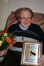 Horst Löhrke wurde für seine 40-jährige Mitgliedschaft geehrt.