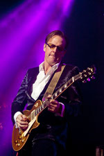 Joe Bonamassa auf Tour in 2011 (Foto: Another Dimension)