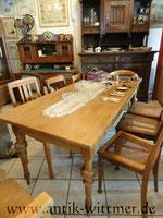 großer Tisch