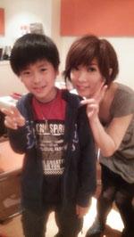 会場にはこんなかわいいドラマーも。菅沼さんの生徒さんと裕さん。