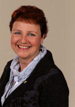 CDU-Ratsfrau Claudia Wilke freut sich über das positive Ergebnis für eine Gesamtschule in Neukirchen-Vluyn.