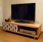 彼のために作るテレビボード