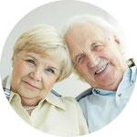 Wenn die Kiefer zu schmal oder zu niedrig für Implantate sind, können sie mit chirurgischen Maßnahmen aufgebaut werden.