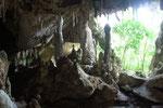Höhlenbesuch per Kanu