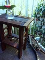 町田市のアトリエ・アルケミストの「食」で人をつなぐ場「喫茶小鳥室」。入り口はアトリエの延長として。