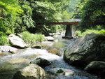 黒坂石川の赤い橋