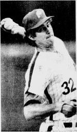 Steve Carlton went nine to secure his 10th victory.