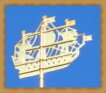 Золотой кораблик на шпиле Адмиралтейства-один из символов Санкт-Петербурга.