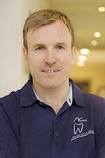 Dr. Oliver Nesbit - Zahnarzt und Oralchirurg Trendelburg