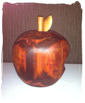 Apfel mit Bissstelle Ø ca. 20cm (Holzart Pflaume, geölt)