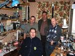 А после экспедиции - отогрелись в мастерской UA9XKP