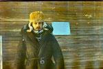 Позируем около Домика Ушакова на фоне мемориальной таблички.
