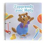 Moty, la petite marmotte, fait découvrir en images, le vocabulaire de la vie quotidienne,  aux enfants à partir de 2 ans. Des images  simples, colorées et lisibles, illustrent des  lieux et des situations.