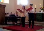 Unsere Altistinnen Orine Nozaki und Chiharu Takahashi beim Duo-Auftritt, am Klavier Ikumi Takahashi