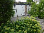 Nestschaukel im Garten