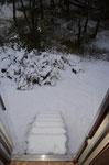 wer schaufelt wohl die Treppe frei?