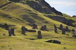 MOAI Werkstatt im Steinbruch Rano Raraku
