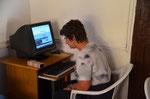 Internet Cafe, die Buchstaben auf der Tastatur sind leider nicht mehr lesbar