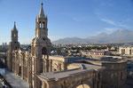 Blick von oben auf die Main Plaza in Arequipa