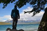 An der Laguna Azul mit Blick auf Torres del Paine