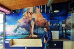 """Pintura Mural en el hotel Villa Rosa, en Reinosa(Cantabria). El director dijo: """"Quiero que la habitación sea de cine"""" y de cine fue."""