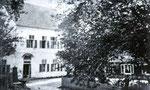 Alte Volksschule und Mesnerhaus in Neukirchen