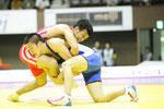 【男子F60kg級決勝】決勝は池田(商学2年、青)と高塚OBの同門対決となり、池田選手が制す