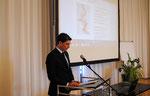Jubiläums-Seminar XX  (2015)  Grußworte des Generalkonsuls Grigorios Delavekouras (Düsseldorf)