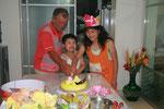 Geburtstagskuchen zu dritt gehts leichter