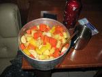 Ananas,Papaya;Mango und Bananen Abendessen
