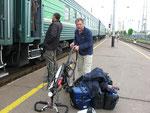 Fahrrad in Kazaan wieder zusammenschrauben,hat die Fahrt im Heizraum gemacht
