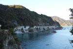 安和海岸の落石防護施設群