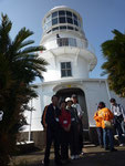室戸岬灯台の入り口で記念撮影。