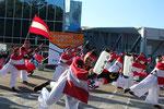 「桂浜・龍馬プロジェクト」チームによる鳴子踊り