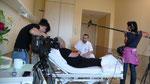 .... Aufklärungsgespräch des Chirurgen mit seinem Patienten ....