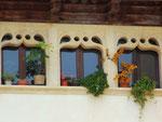 Maurisch-arabischer Stil prägen diese Fenster