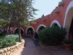 mit wunderschöner mediterraner und einheitlicher Architektur...