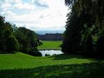 Blick zum Schloss Wilhelmshöhe und im Hintergrund die Stadt Kassel