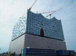 Die Elb-Philharmonie verschlingt Millionen um Millionen €