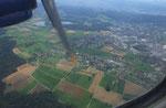 Im Landeanflug auf die Insel Jersey sieht man schon die grüne Insel . . .
