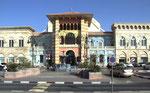 . . . sondern ein grosses Shopping Center für Italienische Mode, Food und alles was das (italienische) Leben schöner macht