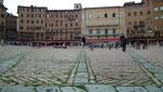 Nochmals ein Bodenblick auf der Piazza del Campo