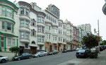 Eine der bekanntesten Häuserzeilen von San Francisco