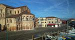 Die Basilika di Santa Maria e San Donato aus dem 12. Jahrhundert . . .