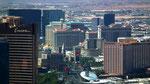 ...und andererseits Blick auf den berühmten Strip von Las Vegas