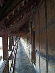 Blick auf den Mauerweg auf der imposanten Wehr-Ringmauer