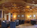 Wunderschöne Räumlichkeiten in heimeligem Holzausbau...