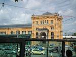 Nochmals Blick auf die schöne Bahnhoffassade