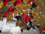 Selbstporträt im Spiegelsaal (Gestaltet von Niki de Saint Phalle)
