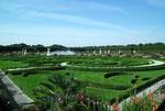 Die Anlage besteht aus dem Grossen Garten, dem Berg-Garten, dem Georgen-Garten und dem Welfen-Garten